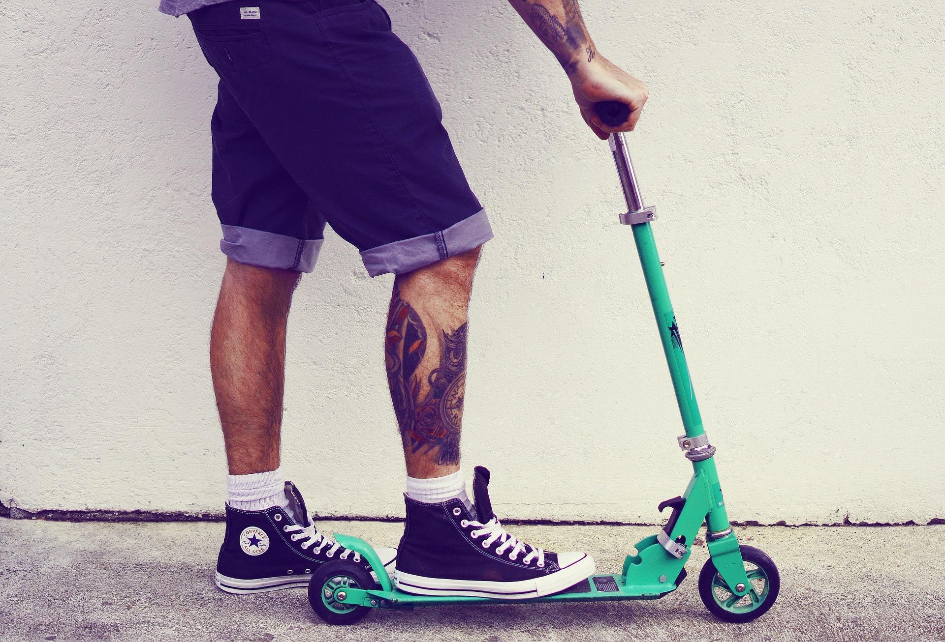 Comment poser un tatouage ephemere